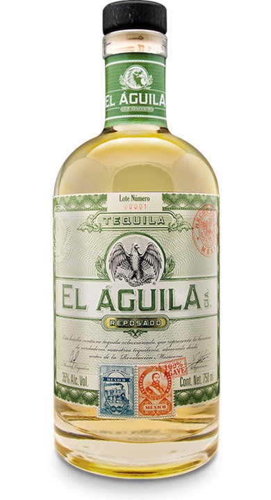 Bottle of El Aguila Cía Reposado