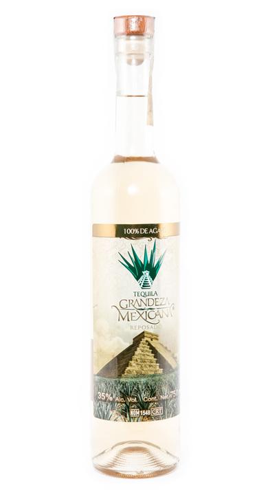 Bottle of Tequila Grandeza Mexicana Reposado
