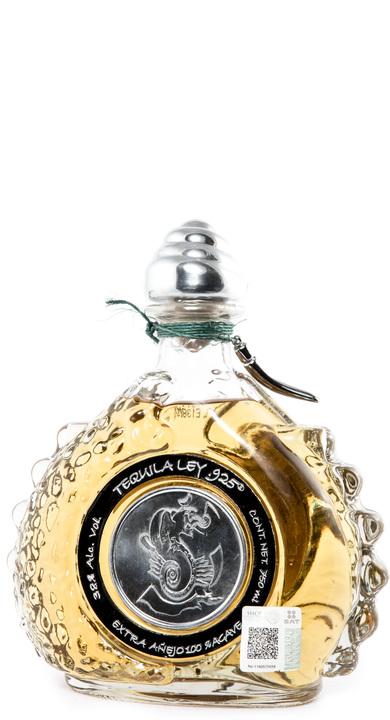 Bottle of Ley .925 Extra Añejo Tequila