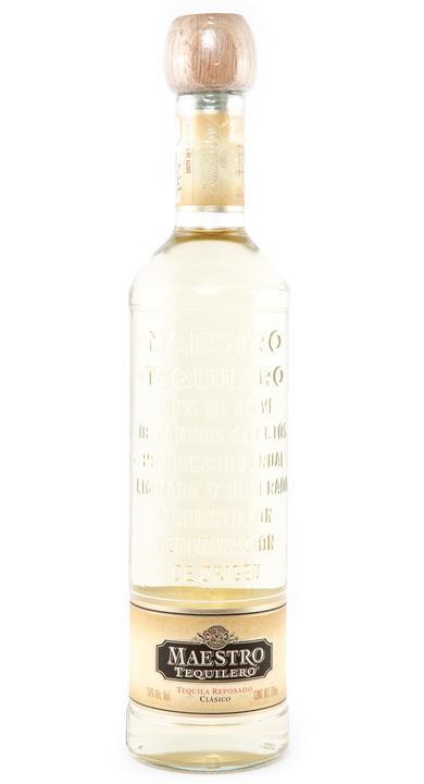 Bottle of Maestro Tequilero Reposado