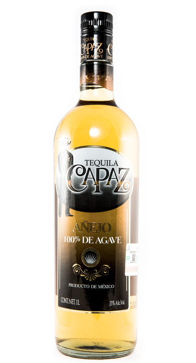 Bottle of Capaz Añejo