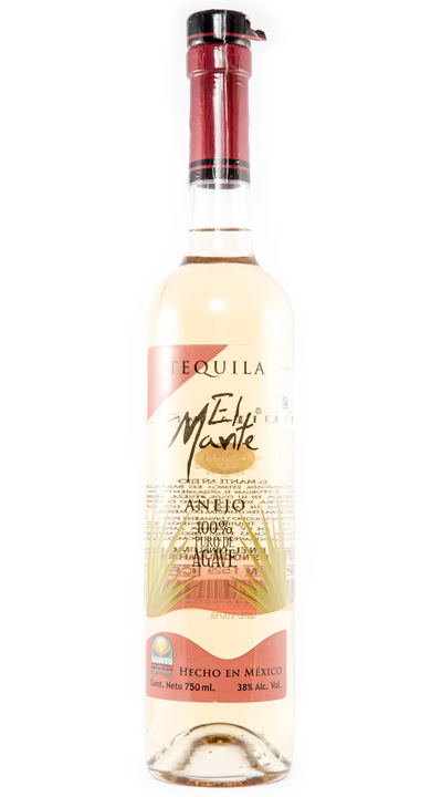 Bottle of El Mante Añejo