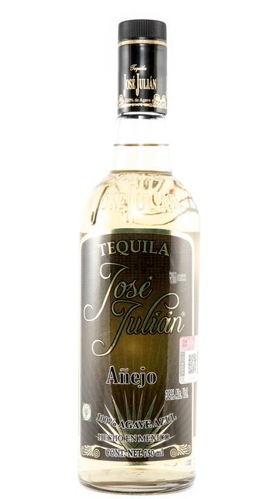 Bottle of José Julian Añejo