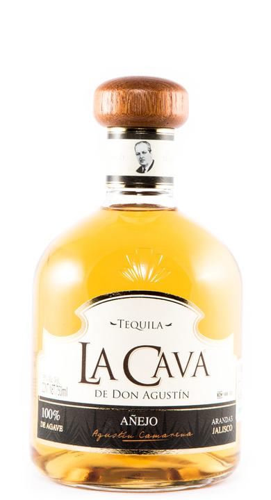 Bottle of La Cava de Don Agustin Añejo