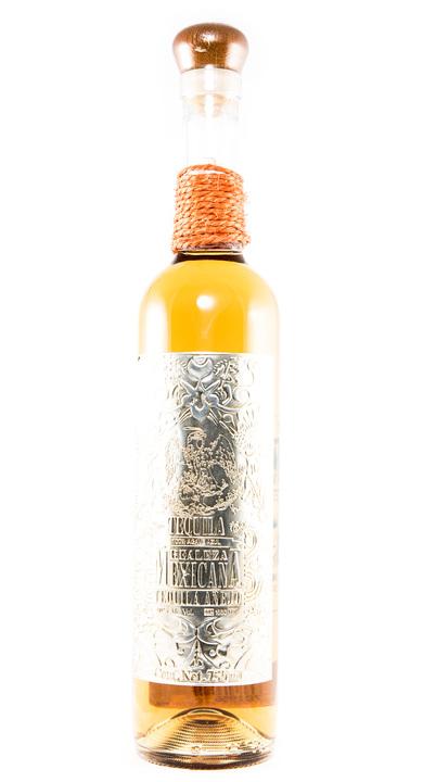 Bottle of Realeza Mexicana Añejo