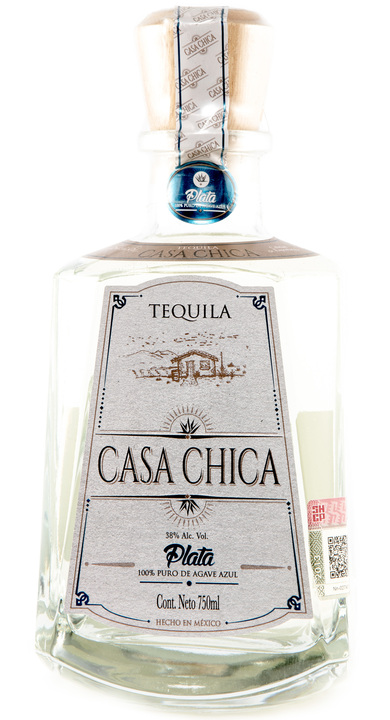 Bottle of Casa Chica Blanco