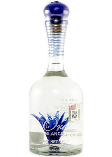 Bottle of Cava de Oro Blanco