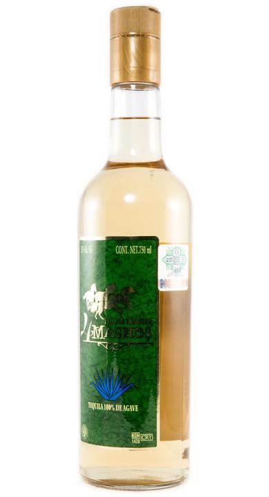 Bottle of 4 Machos Reposado