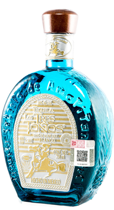 Bottle of Los Tres Toños Blanco