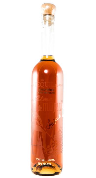 Bottle of Con Alma de Mujer Extra Añejo