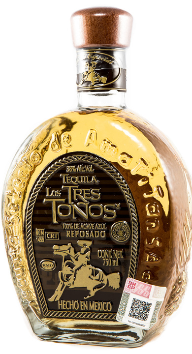 Bottle of Los Tres Toños Reposado