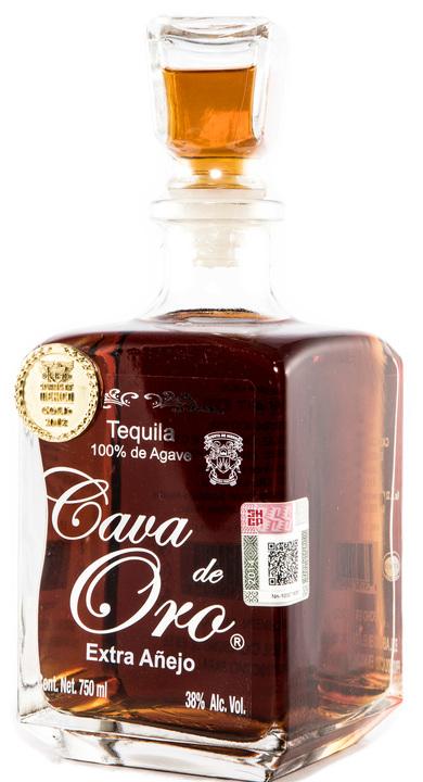 Bottle of Cava de Oro Extra Añejo