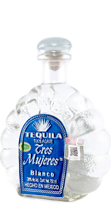 Bottle of Tres Mujeres Blanco