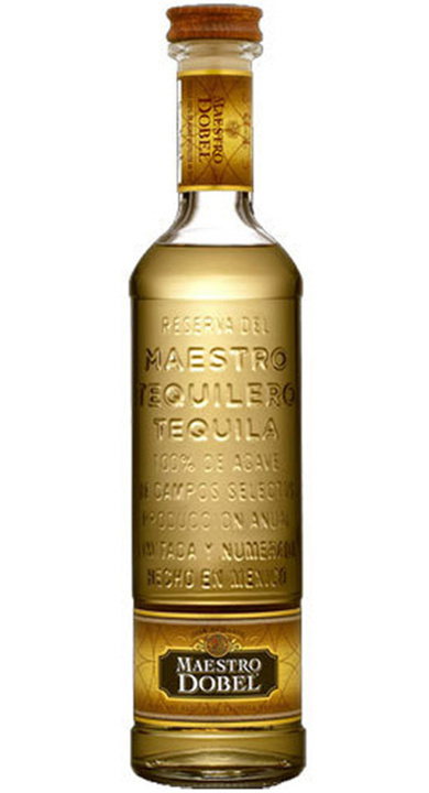 Bottle of Maestro Dobel Reposado
