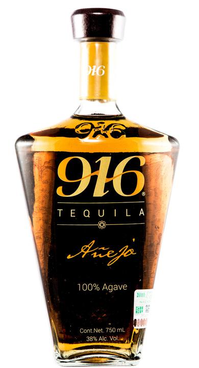 Bottle of 916 Tequila Añejo