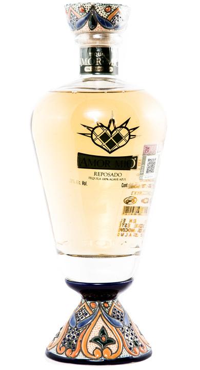 Bottle of Amor Mío Reposado