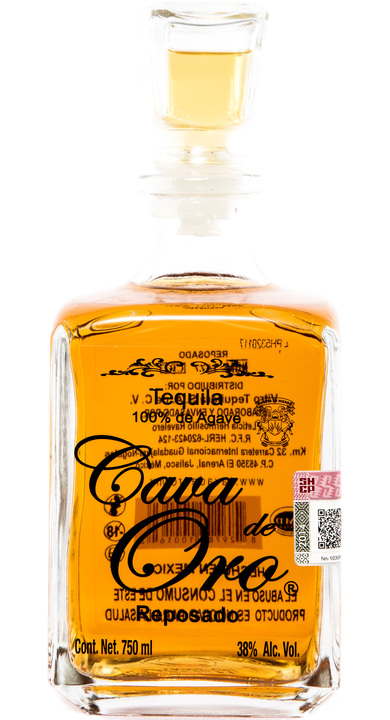 Bottle of Cava de Oro Reposado