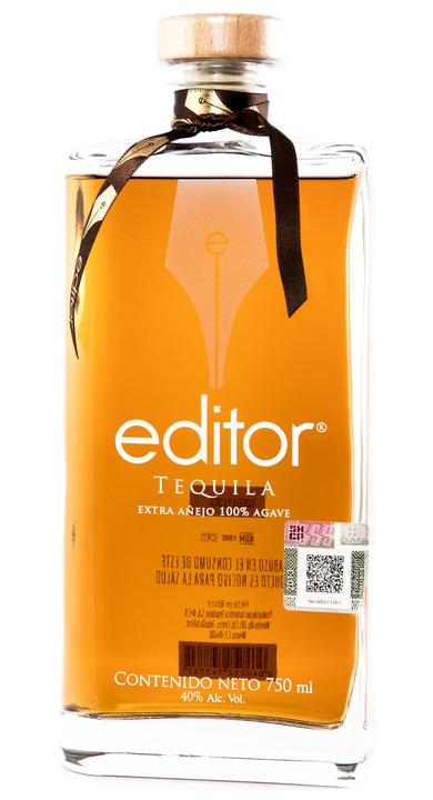 Bottle of Editor Tequila Extra Añejo