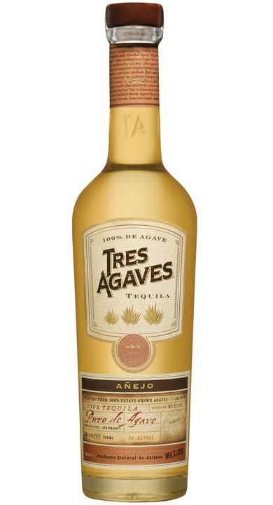 Bottle of Tres Agaves Añejo
