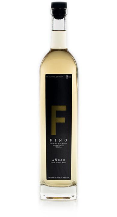 Bottle of Fino Tequila Añejo
