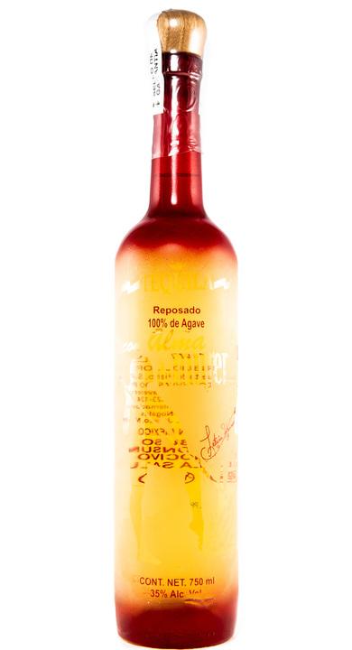 Bottle of Con Alma de Mujer Tequila Reposado