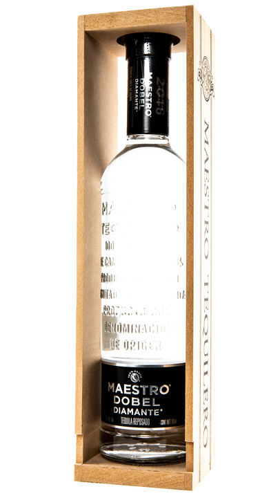 Bottle of Maestro Dobel Diamond