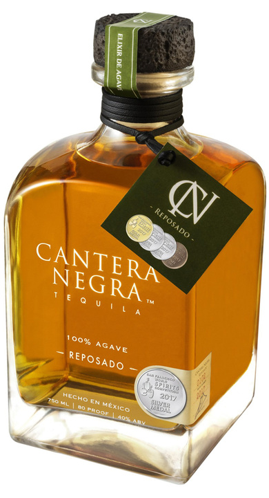 Bottle of Cantera Negra Reposado
