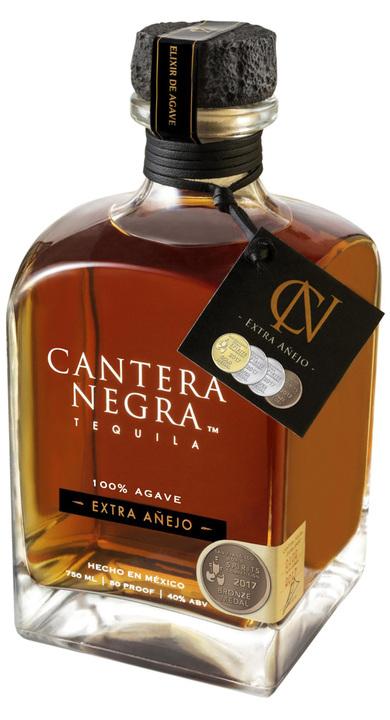 Bottle of Cantera Negra Extra Añejo