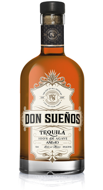 Bottle of Don Sueños Tequila Añejo