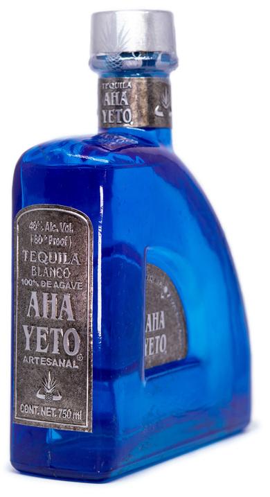 Bottle of Aha Yeto Blanco