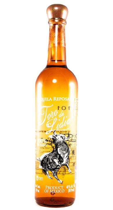 Bottle of Toro de Lidia Reposado