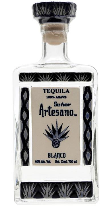 Bottle of Tequila Señor Artesano Blanco