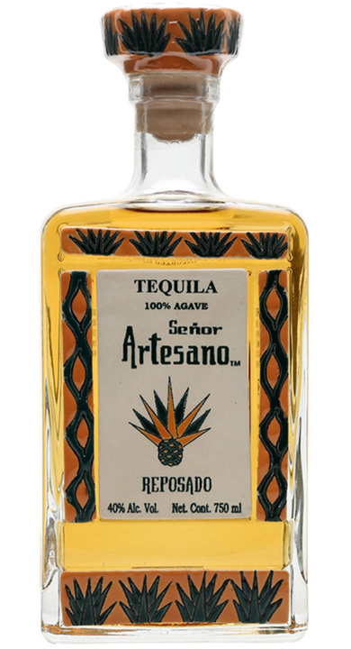 Bottle of Tequila Señor Artesano Reposado