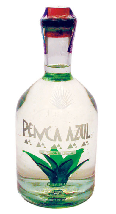 Bottle of Penca Azul Blanco