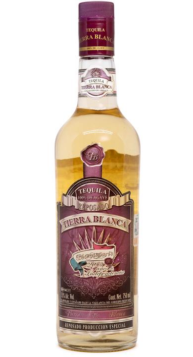 Bottle of Tierra Blanca Reposado