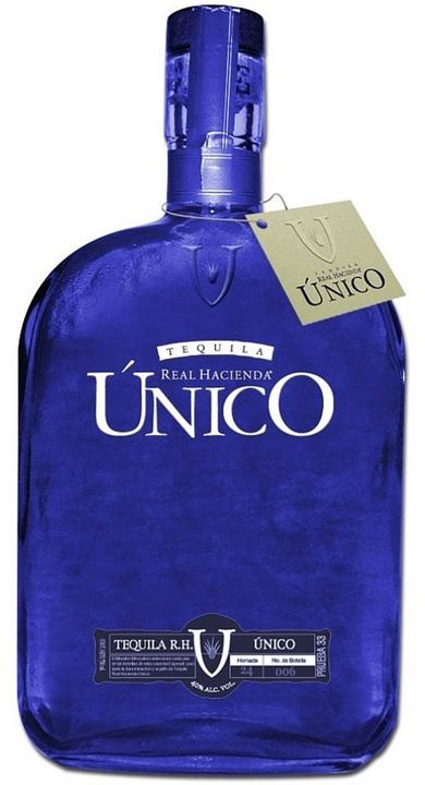 Bottle of Real Hacienda Único Blanco