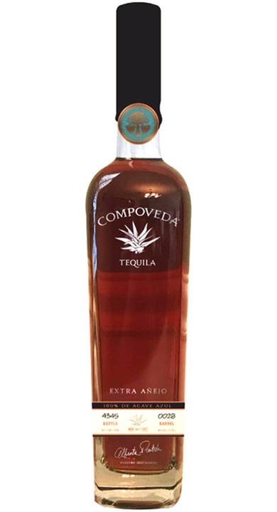 Bottle of Compoveda Extra Añejo