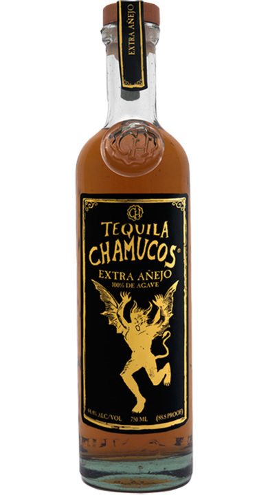Bottle of Chamucos Extra Añejo