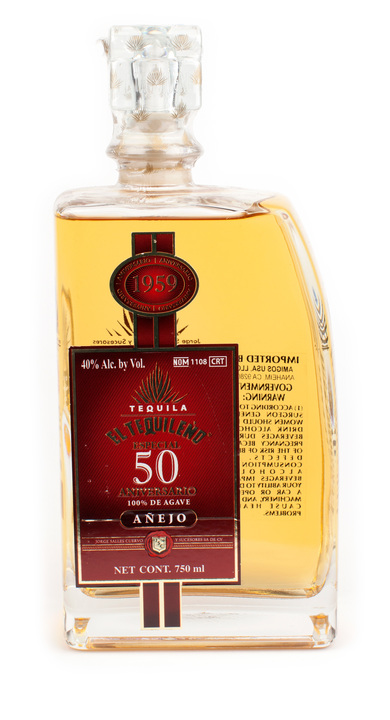 Bottle of El Tequileño Especial 50 Aniversario