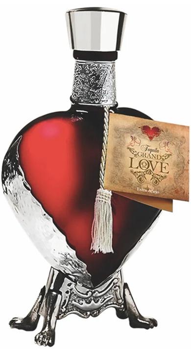 Bottle of Par 72 Grand Love Extra Añejo (Red)