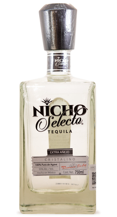 Bottle of Nicho Selecto Extra Añejo Cristalino