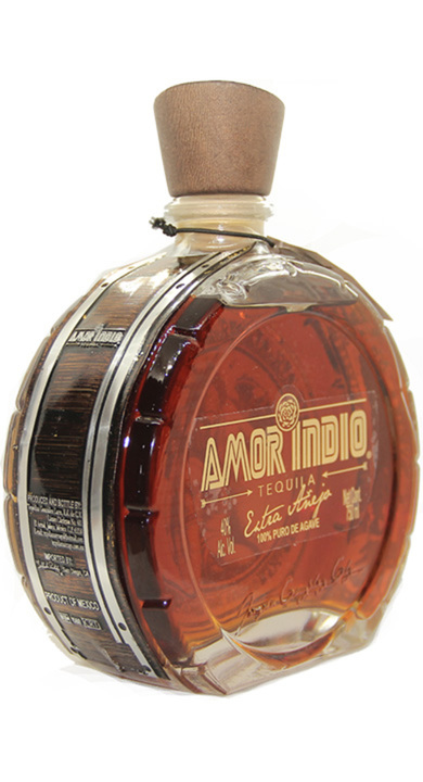 Bottle of Amor Indio Extra Añejo
