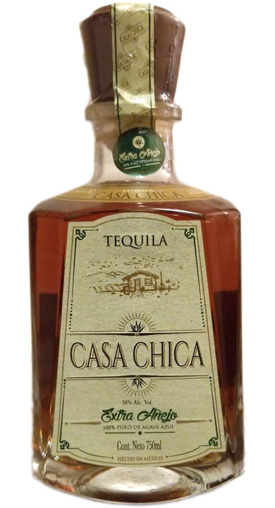 Bottle of Casa Chica Extra Añejo