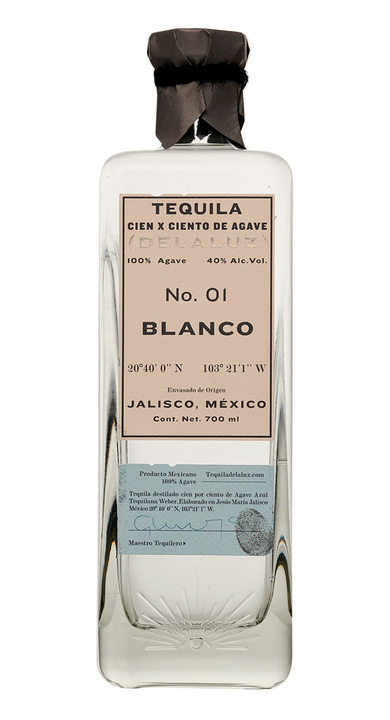 Bottle of Delaluz Blanco