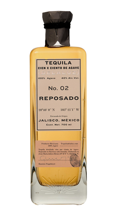 Bottle of Delaluz Reposado