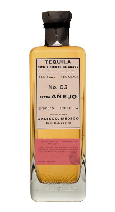 Bottle of Delaluz Extra Añejo