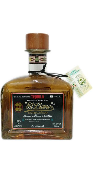 Bottle of El Llano Extra Añejo