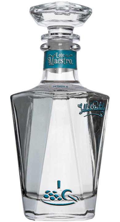 Bottle of Lote Maestro Plata