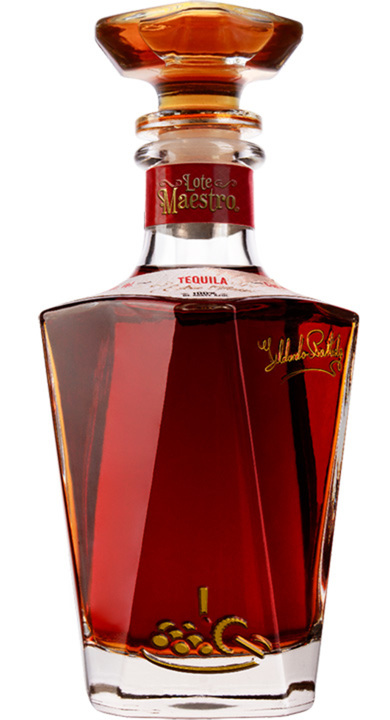 Bottle of Lote Maestro Extra Añejo