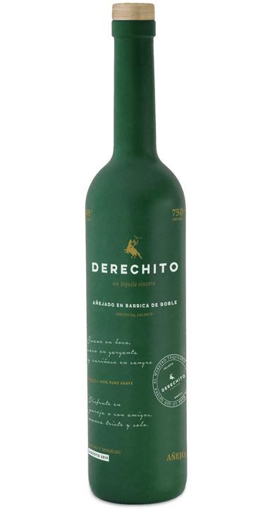 Bottle of Derechito Añejo
